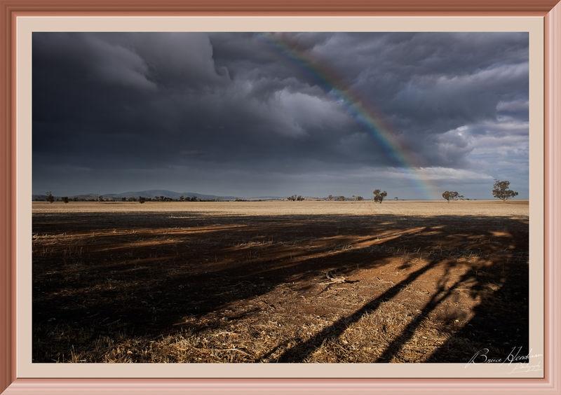 Rainbow over far horizons