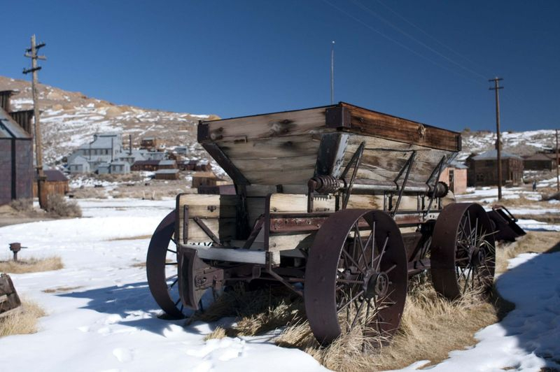 Ghost_town_wagon