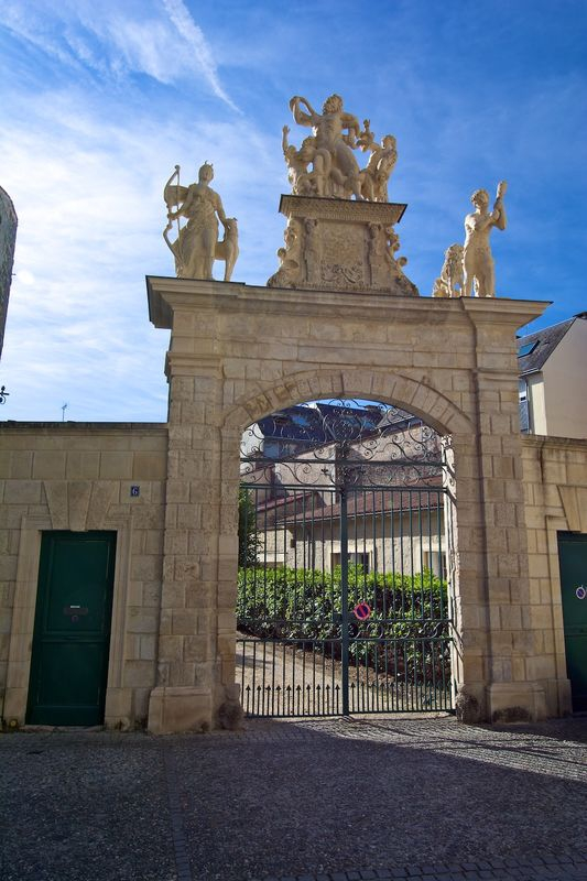 Fontenay Le Comte gateway recently restored
