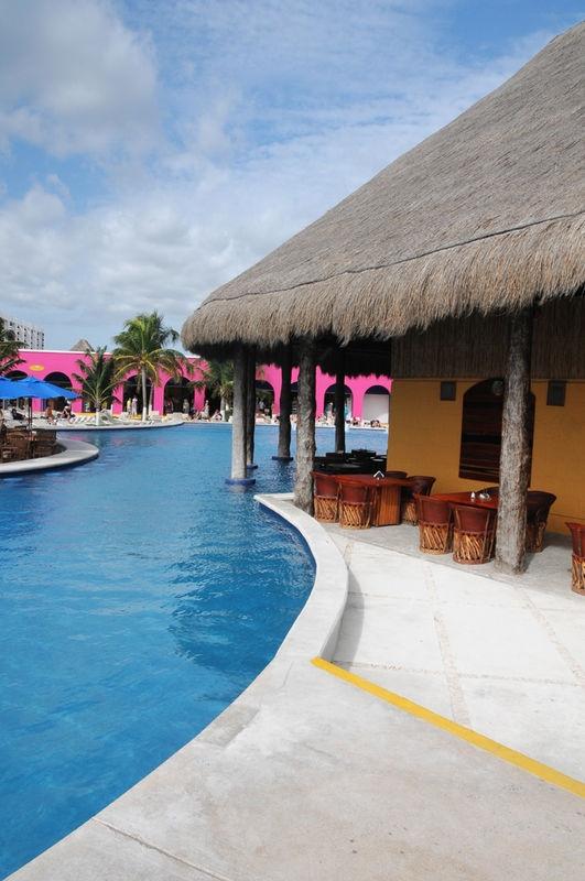 Empty pool side