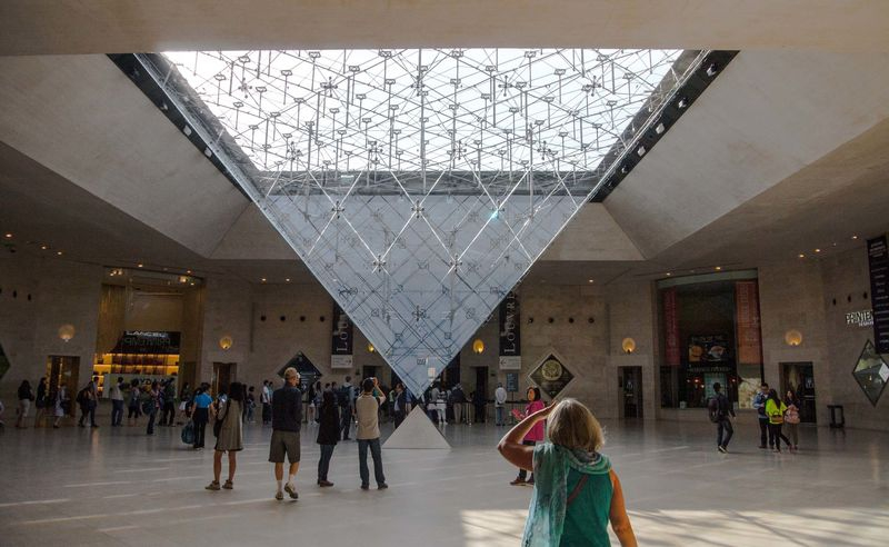 THE_LOUVRE1
