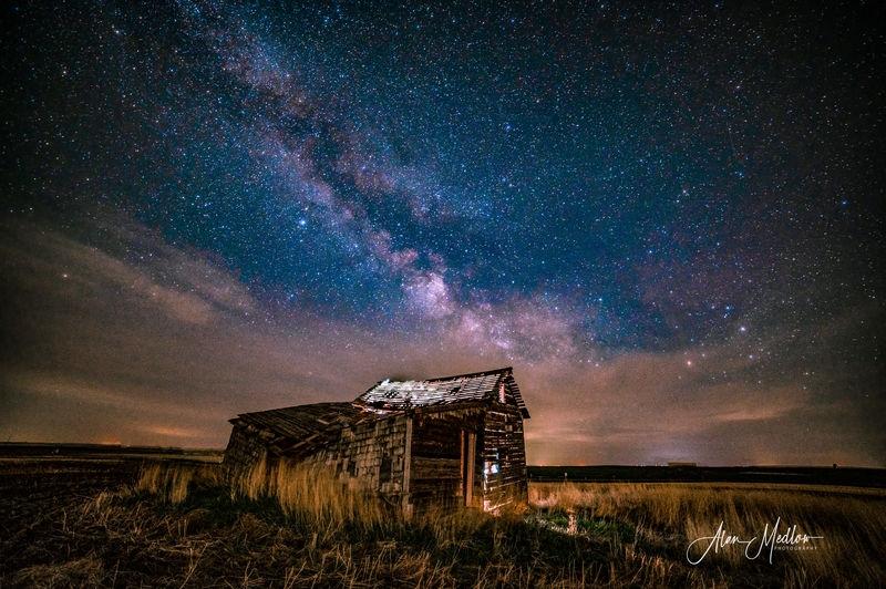 The Milky Way on a Prairies farm house