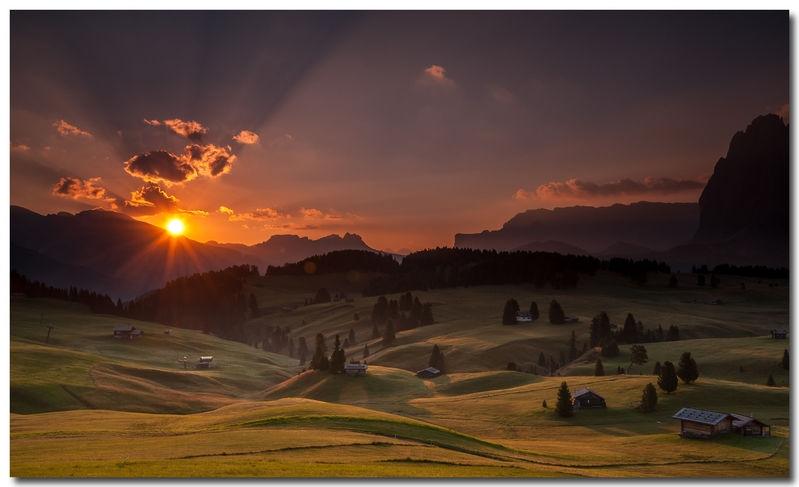 Alpe di Siusi at sunrise