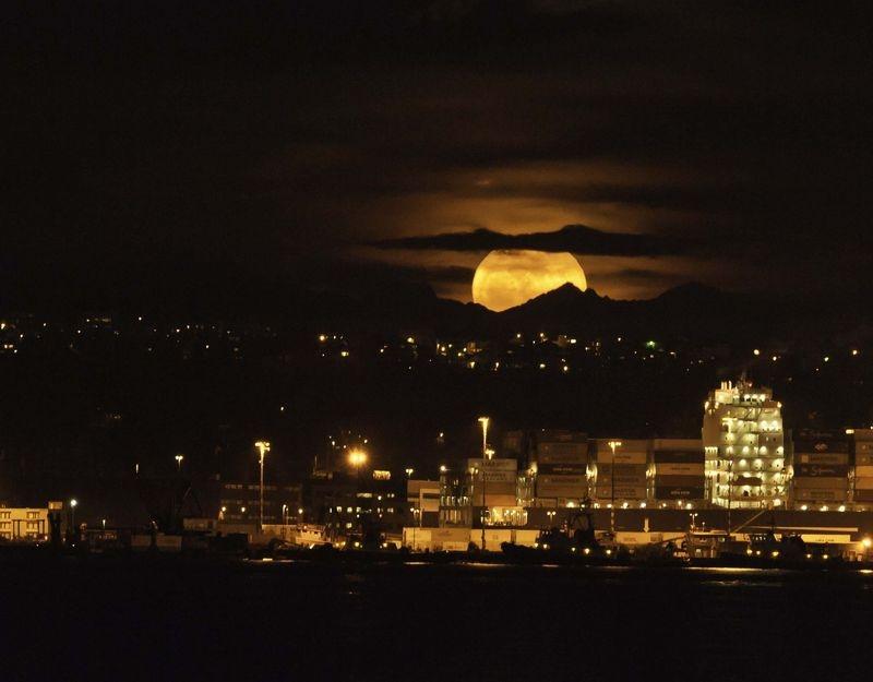 Mega Moon Rise over Seattle