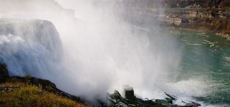 Water & mist -Niagara Fall
