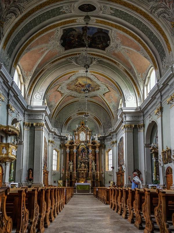 Kircheninnraum Cortina
