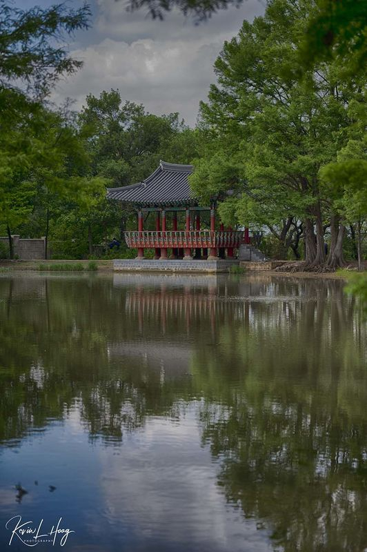 Behind the Shot - Abstract of Korean Structure