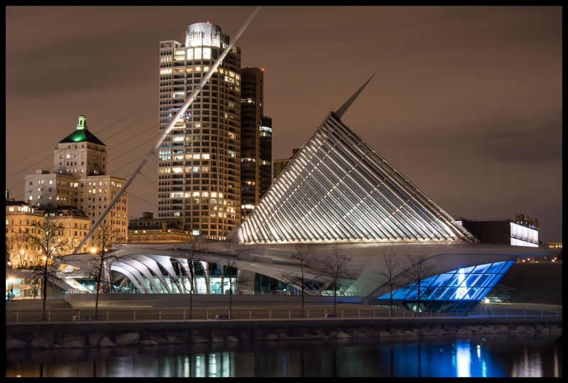 Milwaukee Art Museum, Night